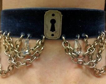 Silver Keyhole and Swarovski Choker