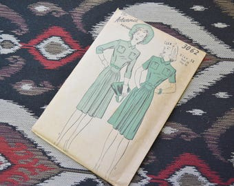 1940s Advance Dress Pattern, #3062, Size 12 (30 Bust, 33 Hip, 25 Waist)