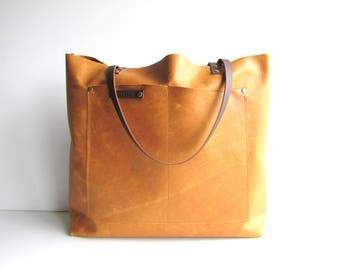 Distressed honey leather tote // tan leather tote bag