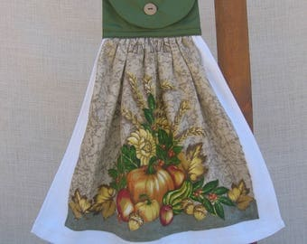 Fall Fruit Hanging Kitchen Towel, Harvest Dish Towel, Fall Decor, Fall Pumpkin Towel, Kitchen Towels, Hanging Towels, Hostess Gift, Green