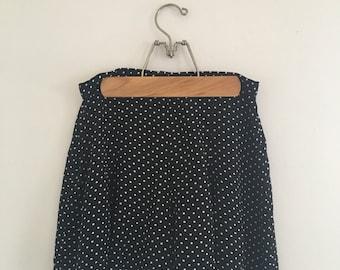 vintage minimalist tap shorts black white polka dots