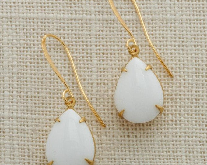 White & Gold Tear Drop Earrings French Hook Pear Teardrop Opaque Paste Cabochon Stones Wedding Earrings Bridesmaid Handmade 15mm 6H