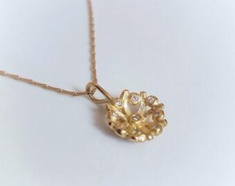 Flora Diamond Pendant . Gold Diamond Necklace . Flower Charm . Diamond Disc Pendant . Organic Jewelry . Bridal . Wedding . Floral Pendant