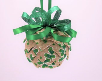 St Patrick's Day Ornament, Ribbon Ornament, Pierced Ornament, Quilted Ornament, St. Patrick's Day Decor, St Pattys Day Decor, Irish Decor