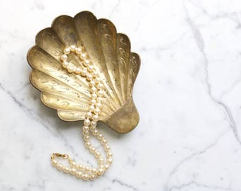 Vintage Brass Scalloped Shell Trinket Dish | Ring Pillow, Soap Dish