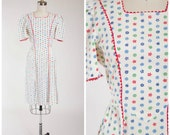Vintage 1940s Dress • Gathered Harvest • Floral Print Cotton 40s Day Dress Size Small