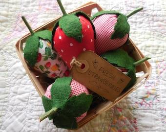 Primitive Fresh Strawberries Kitchen Home & Seasonal Decor in Strawberry Box