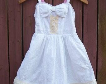 White & Cream BOHO White Eyelet Dress with Owl/Flower Girl/Little Girl Size Medium 7/8