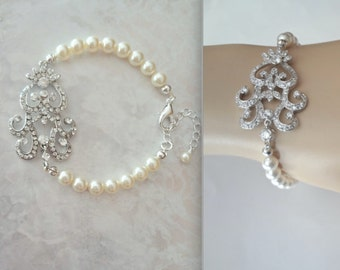 Pearl and crystal bracelet ~ Wedding bracelet ~ Silver ~ Crystal bracelet ~ Brides bracelet ~ Bridal jewelry ~ Pearl bracelet ~ ALEXIS