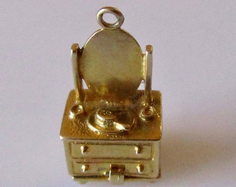 Nuvo 9ct Gold Dressing Table & Tortoise Opening Charm