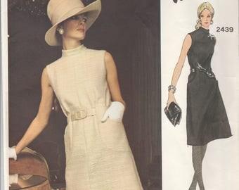 Simple Sophistication Valentino Dress Pattern Vogue 2439 Size 10 Uncut