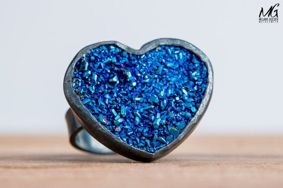 Dark Blue Heart Shaped Druzy Agate Gemstone Ring in Oxidized Black Sterling Silver - Size 5.5