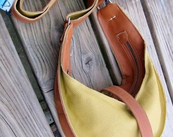 vanilla natural leather hobo bag  shoulder bag handbag  one detachable purse for keys inside.