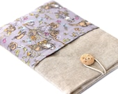 Linen Kindle Sleeve with pretty lilac otter and vole print design - Cover, Paperwhite, Kindle, Voyage, cotton print fabric front pocket