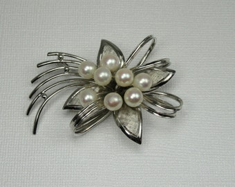 Sterling Silver Sunburst Type Pin with Pearls; Vintage Pearl Pin; Vintage Sterling Pin; Pearl Pin; Vintage Sterling Pin with Pearls
