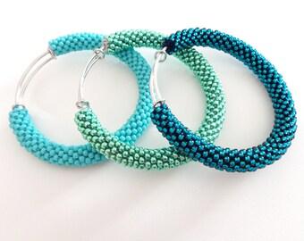 Brass Bracelets // Turquoise Bangle Bracelets // Mint Green Bangle // Beaded Accessories // Crocheted bracelets // Bangles Tris