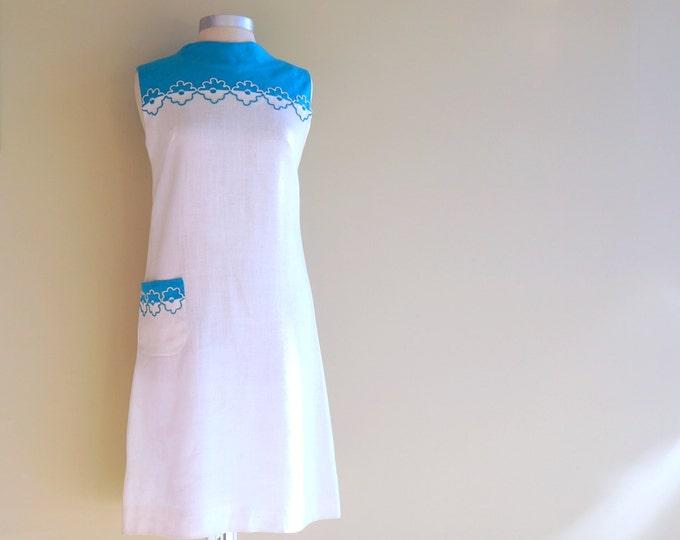White Linen Dress MEDIUM 1960s Shift Dress Flower Trim Blue Floral Embroidery Sleeveless 60s Day Dress Vintage Deadstock NWTs Bleeker Street