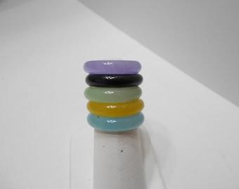 Five Vintage Plastic Rings (8265) Size 7-7.5