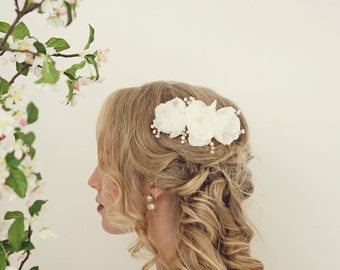 Bridal headpiece, Flower comb, Wedding hair accessories, Bridal hair comb, Ivory hair flowers, Pearl comb, Bridal flower comb