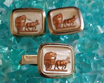 Vintage Parkway Tie Clip and Cuff Links - Covered Wagon