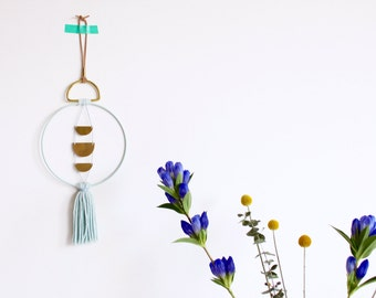 WALLHANGING LOOP • brass & Mint • mobile brass