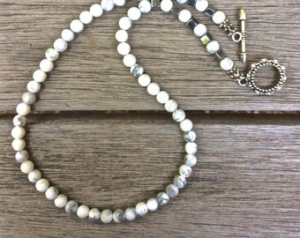 White Howlite necklace, Look of White Buffalo necklace, Lightweight necklace, White Stone necklace, beach Boho jewelry, free shipping