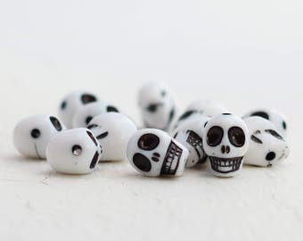 Colorful Acrylic Skull Beads - White - 12 Beads