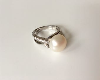 White freshwater sterling silver and zyrcon statement ring- engagement pearl ring- silver natural pearl ring size 7.5