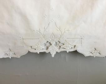 Vintage Embroidered Openwork Cutwork Pillowcase, Vintage King Embroidered Pillow Case, 100% Cotton Pillowcase, Scallop Edge Pillowcase