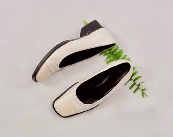 cap toe white loafers / 90s loafers / 7.5 - 38 / chunky loafers / square toe / block heel  / pearly white / loafer / minimal loafer