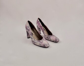 past is present 90s leather metallic heels / 9.5 - 41 / pastel heels / snakeskin heels / block heel / silver pink pump / snakeskin pump