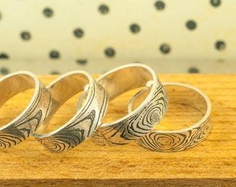 Bague jonc, anneau, alliance en argent sterling Gravée motif de bois fabriquée à la main, bijou joaillerie