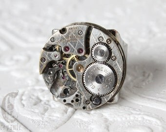 Steampunk Industrial Silver Round Adjustable Ring with Antique 17 jewels Gladstone Guilloche Etched Argyle Watch Movement, Men's Ring