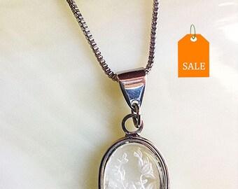 Vintage Clear Etch Glass Flower Pendant Necklace, etched glass, etch glass necklace