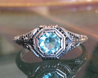 1 carat Aquamarine in Antique Edwardian Style Sterling Silver Mounting