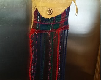 Tartan of Quebec, Plaid, Pocket shoulder bag, leather Moose Sweden, in the colours of the arms of the province, red, blue, green, gold