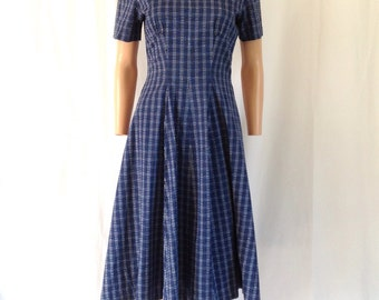 1950's Cotton Swiss Dot Peter Pan Collar Plaid Dress 27""