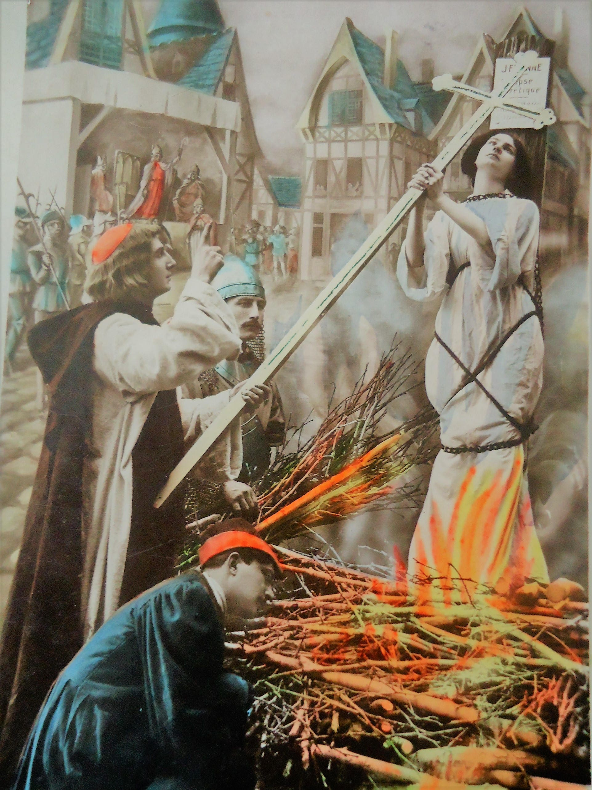 taking a look at joan of arc Joan of arc is the lone example that history affords of an actual, real embodiment of all the virtues demonstrated by huck and jim and of all that twain felt to be noble in man, joan is the ideal toward which mankind strives.