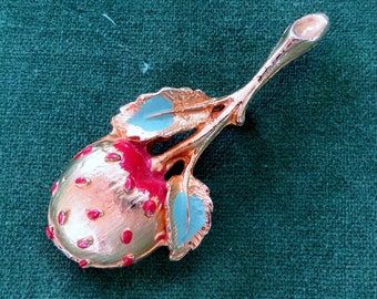 Sweet strawberry retro brooch - FREE POSTAGE