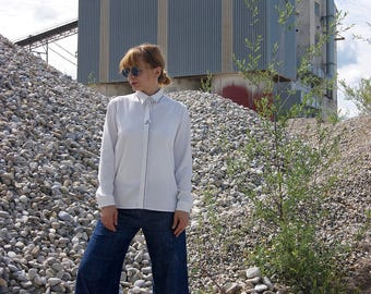 "White shirt with embroidery ""STITCH"""