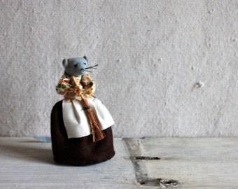 Sweet Felt Miss Mouse Made in UK  : vintage