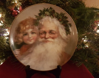 Beautiful 'Father Christmas' Decorative Plate