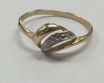 VINTAGE 10K YELLOW GOLD Diamond Accent Swirl Ring Size 6.75