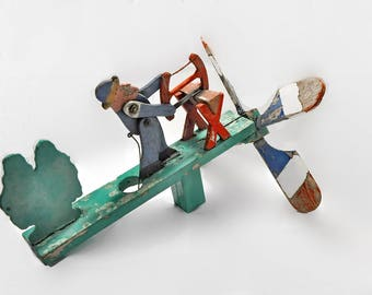 Vintage Wood Hand Made Whirligig Man Saw Wood Folk Art Propeller Garden Outdoor Decoration Wind Toy