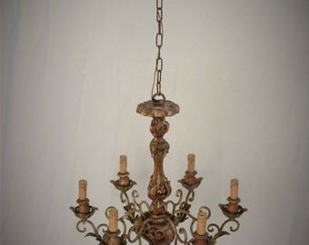 old chandelier electric carved in the wood and colored to handmade, engravings and drawings carved by artisans, chandelier 6 bulbs in Italy