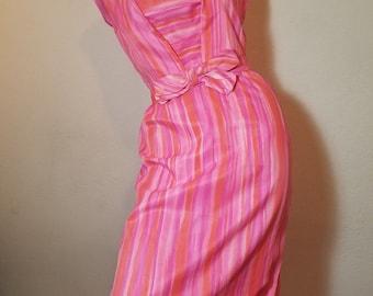 FREE  SHIPPING  1950 Summer Hourglass Dress