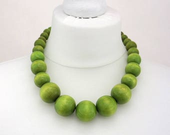 Green Wooden Bead Necklace | Chunky Green Necklace | Green Beaded Necklace