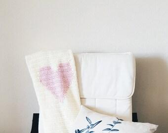 Crochet Baby Blanket // Baby Heart Blanket