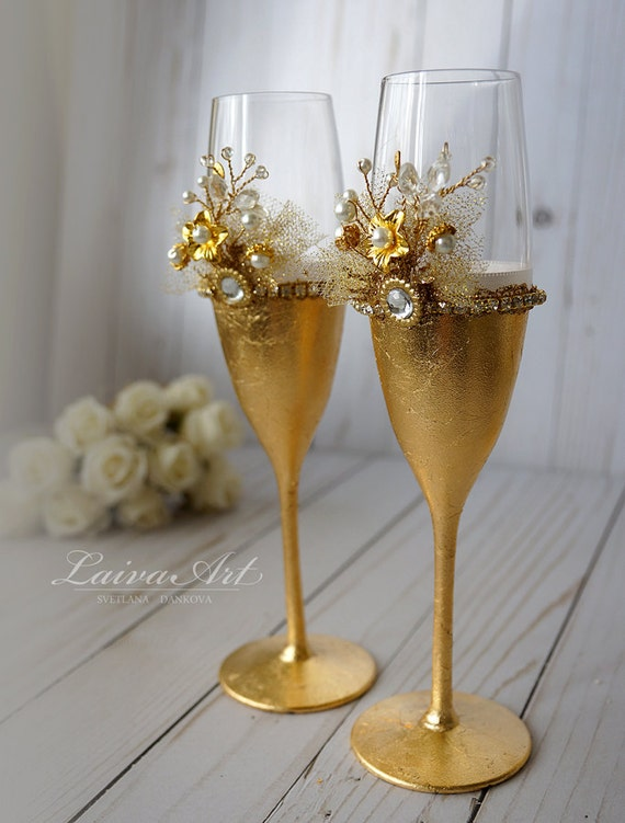 wedding champagne flutes wedding champagne glasses toasting flutes