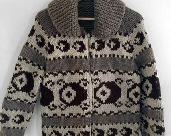 Cowichan Barrell Pattern Sweater // Vintage Zip-up Siwash Sweater